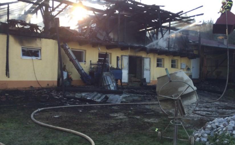 Wirtschaftsgebäudebrand in Lamm